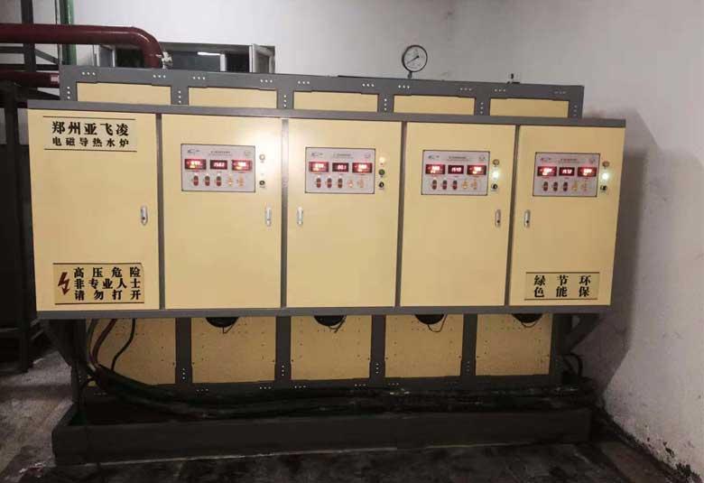 新疆阿克苏拜城滴水铜矿2台400KW电磁热水锅炉取暖