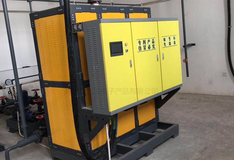 内蒙古呼和浩特马术学校供暖200KW电磁热水锅炉